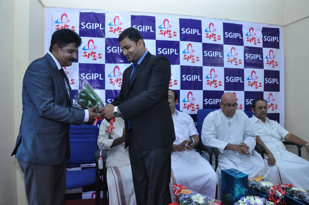SIPSS GLOBAL INDIA PVT LTD Thrissur Regional Office inauguration function -    Mr Colin Shanon Furtado welcoming Mr. Suryakumar Haleyur Shivaraj (Managing Director SGIPL)
