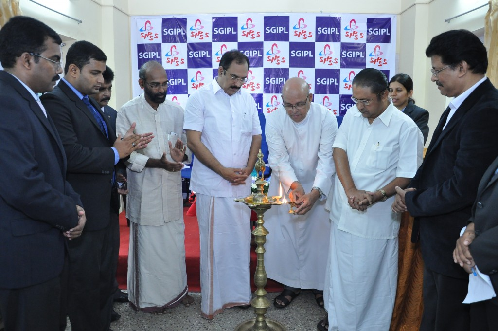 SIPSS GLOBAL INDIA PVT LTD Thrissur Regional Office inauguration function -    Lighting the Lamp by V. REV. Fr. Davis Pulikottil (Forane Vicar of Shrine Baslica of Our Lady of Dolours Church Thrissur)