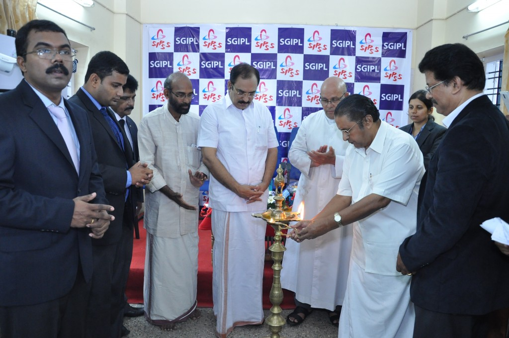 SIPSS GLOBAL INDIA PVT LTD Thrissur Regional Office inauguration function -    Lighting the Lamp by Mr. Thomas Kollannur (Vice President, The Chamber of Commerce)