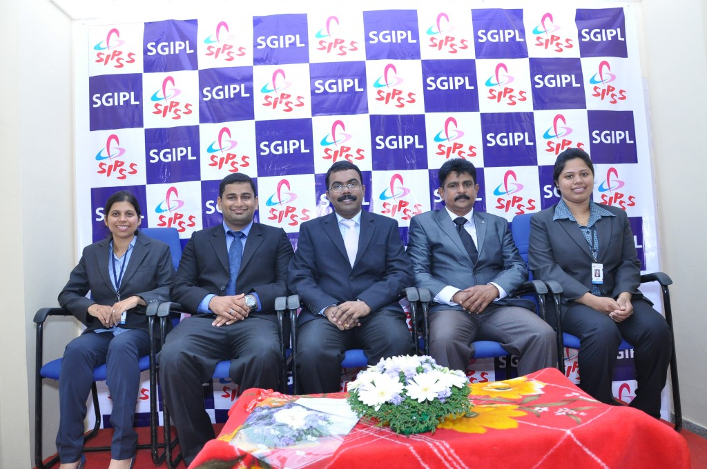 SIPSS GLOBAL INDIA PVT LTD Thrissur Regional Office inauguration function -    SIPSS GLOBAL - Leading Team (from Left- Ms. Sandhya Vijayan (Team Lead- ESMG-INT), Mr. Suryakumar Haleur Shivaraj (Managing Director), Mr. C K Sreegith (Director Operations), Mr. Colin Shanon Furtado (Zonal Manager - ESMG), Ms. Archana Narayana Bhat (Lead Consultant))